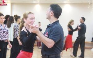salsa amman roberto dance academy