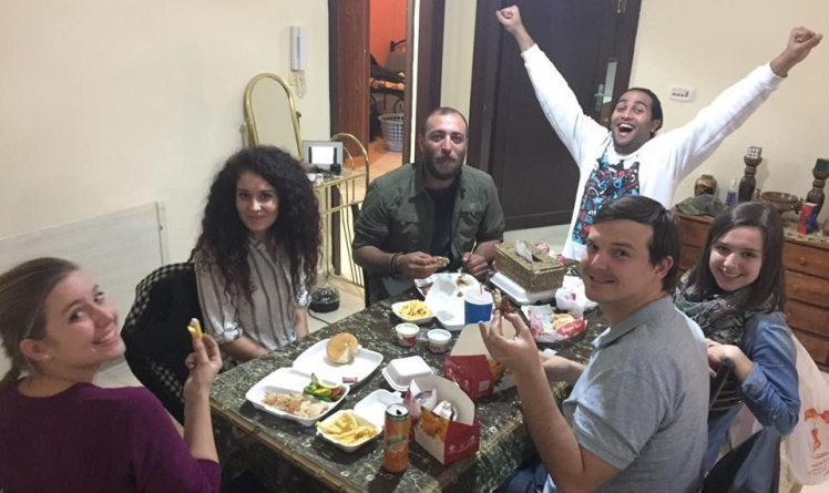 couchsurfing amman jordan traditional meal