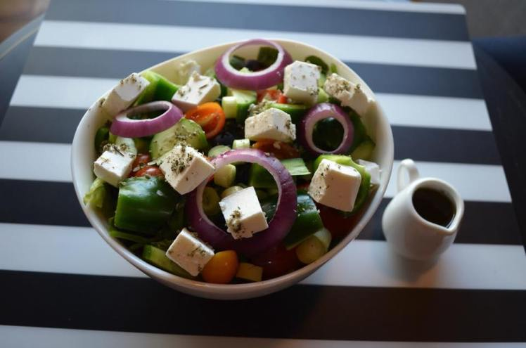 greek salad mindhub amman