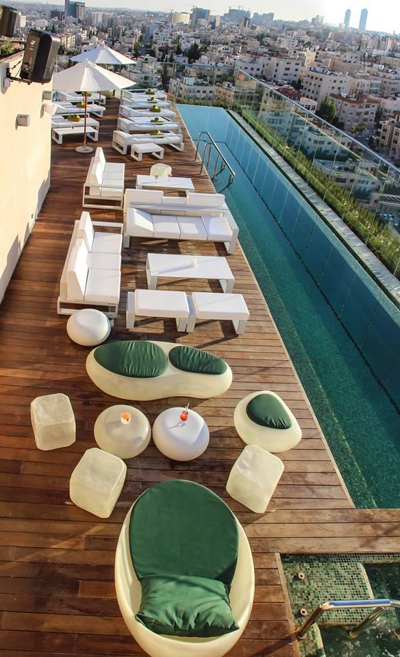 u roof infinity pool